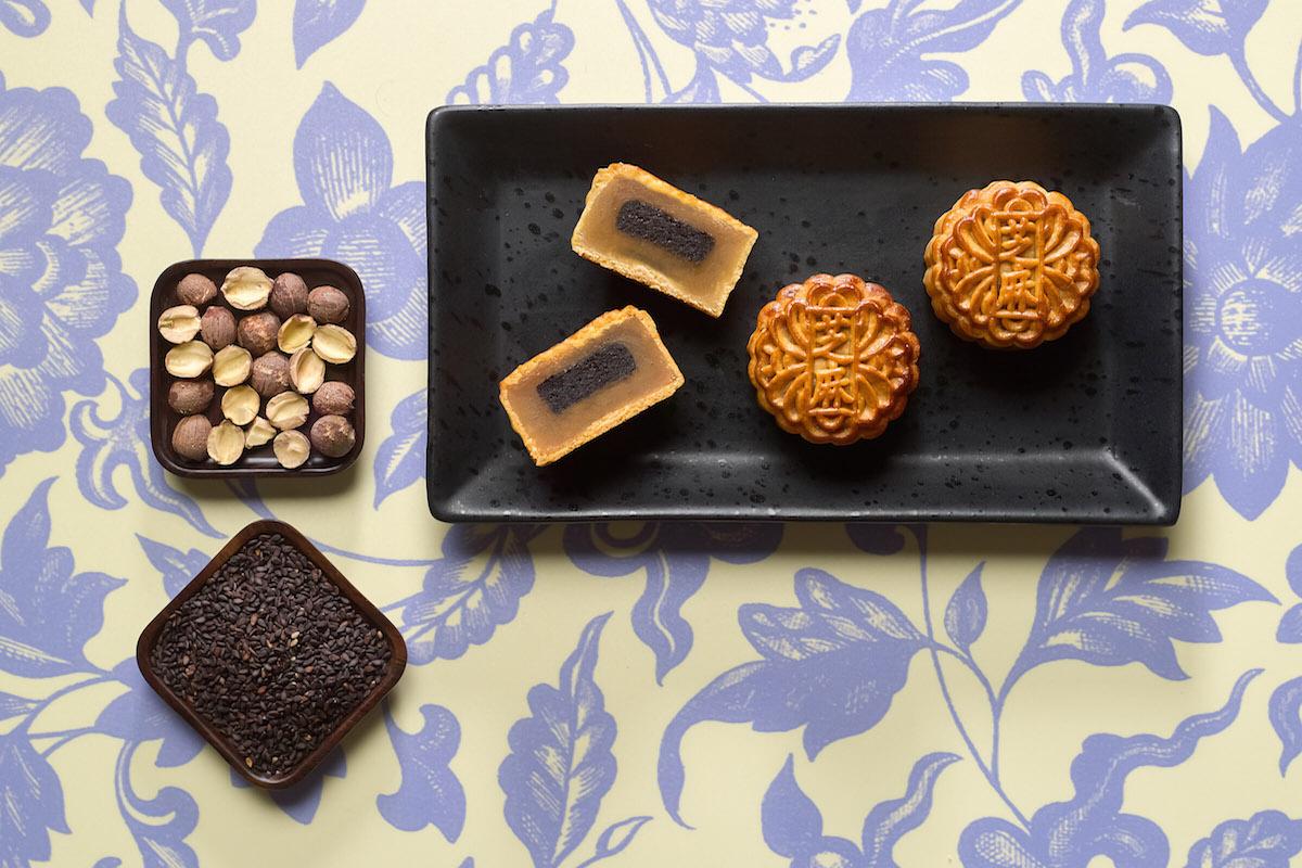 Summer Pavilion - Ritz Carlton Singapore - Mini White Lotus Seed Paste with Black Sesame copy