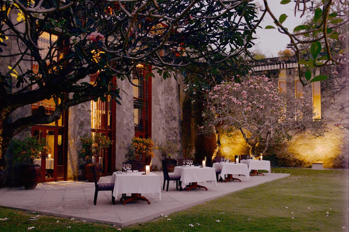 Amanusa - Restaurant and Courtyard