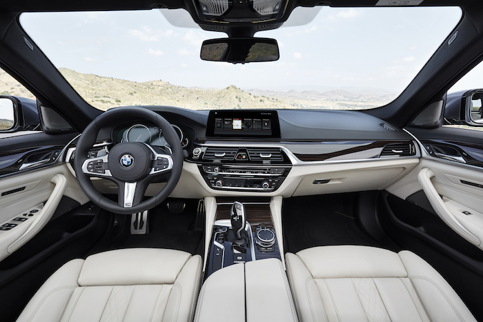 11.The all new BMW 5 Series - M Sport Edition_interior