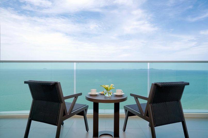 Luxury Hotels We Love - Mövenpick Siam Hotel Na Jomtien Pattaya