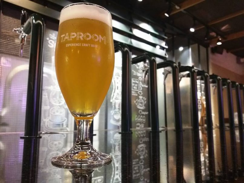 Taproom x 26 craft beer in Bangkok