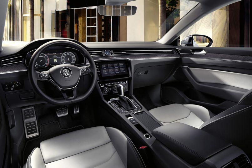 Volkswagen Arteon interior (10)