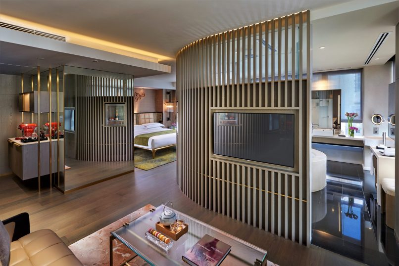 best hotels in Hong Kong for convenience - Landmark Mandarin Oriental Hong Kong