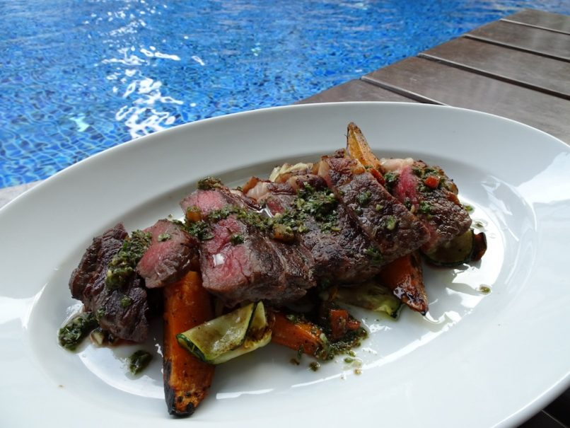 What's better than a healthy steak dish by the poolside?