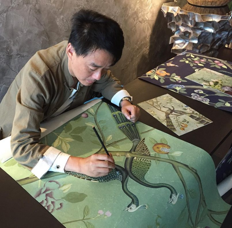 We feel incredibly privileged to have seen a live demonstration of handpainting a wallpaper by an artist from @degournay, in conjunction with 2017's @maisonetobjet show in Singapore. #maisonetobjet #degournay #lifestyleasiakl