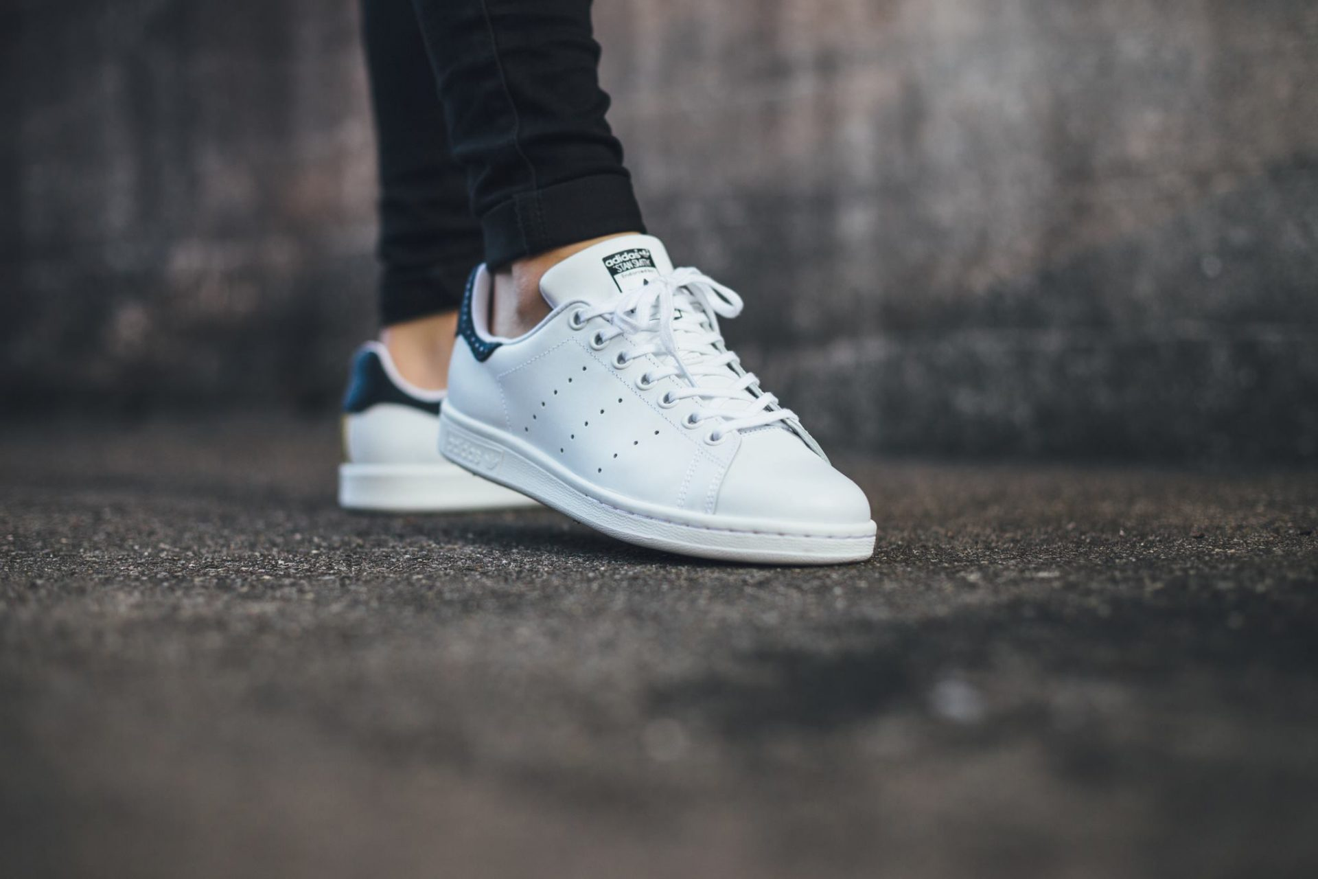 new product 385ba 55e20 The history behind the hype: Adidas Stan Smiths