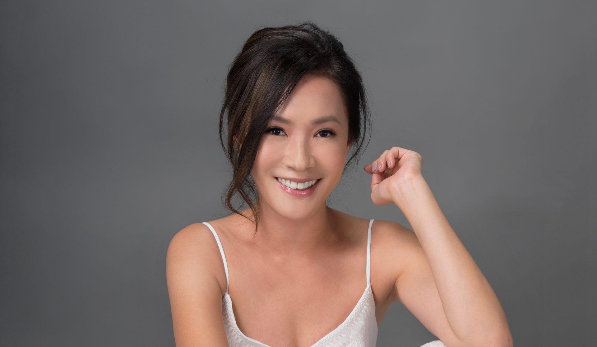 Nackt  Emily Chang Emily Chang