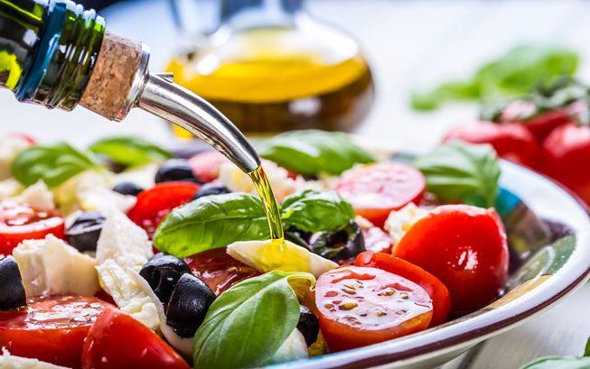 Mediterranean diet-Style-Salad