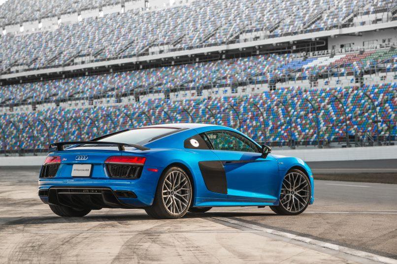 2017-Audi-R8-V10-Plus-rear