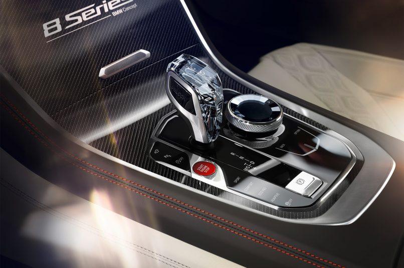 2018-BMW-Concept-8-Series-center-console-02