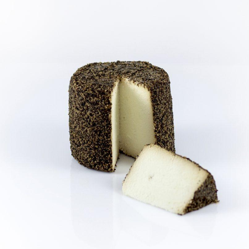 Fresh black pepper goat cheese - VIVIN Japanese sake