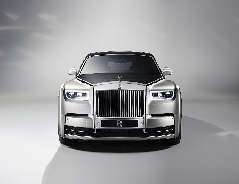 Rolls-Royce Phantom VIII the cheat sheet