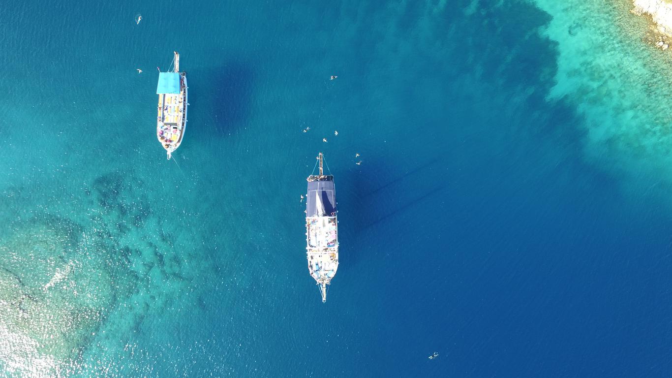 luxury cruise suites