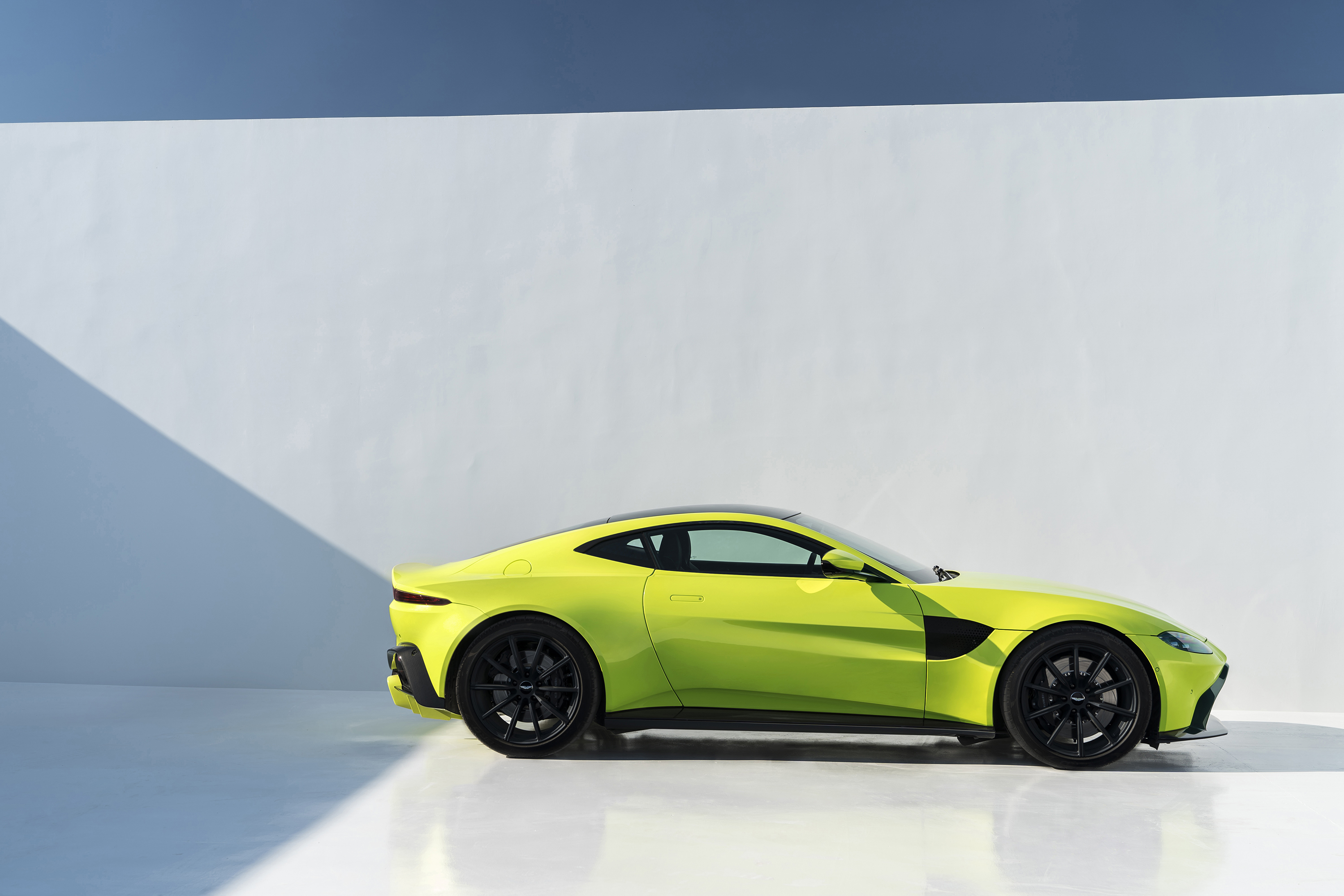 Here S The New 2018 Aston Martin Vantage And Why You Ll Want It