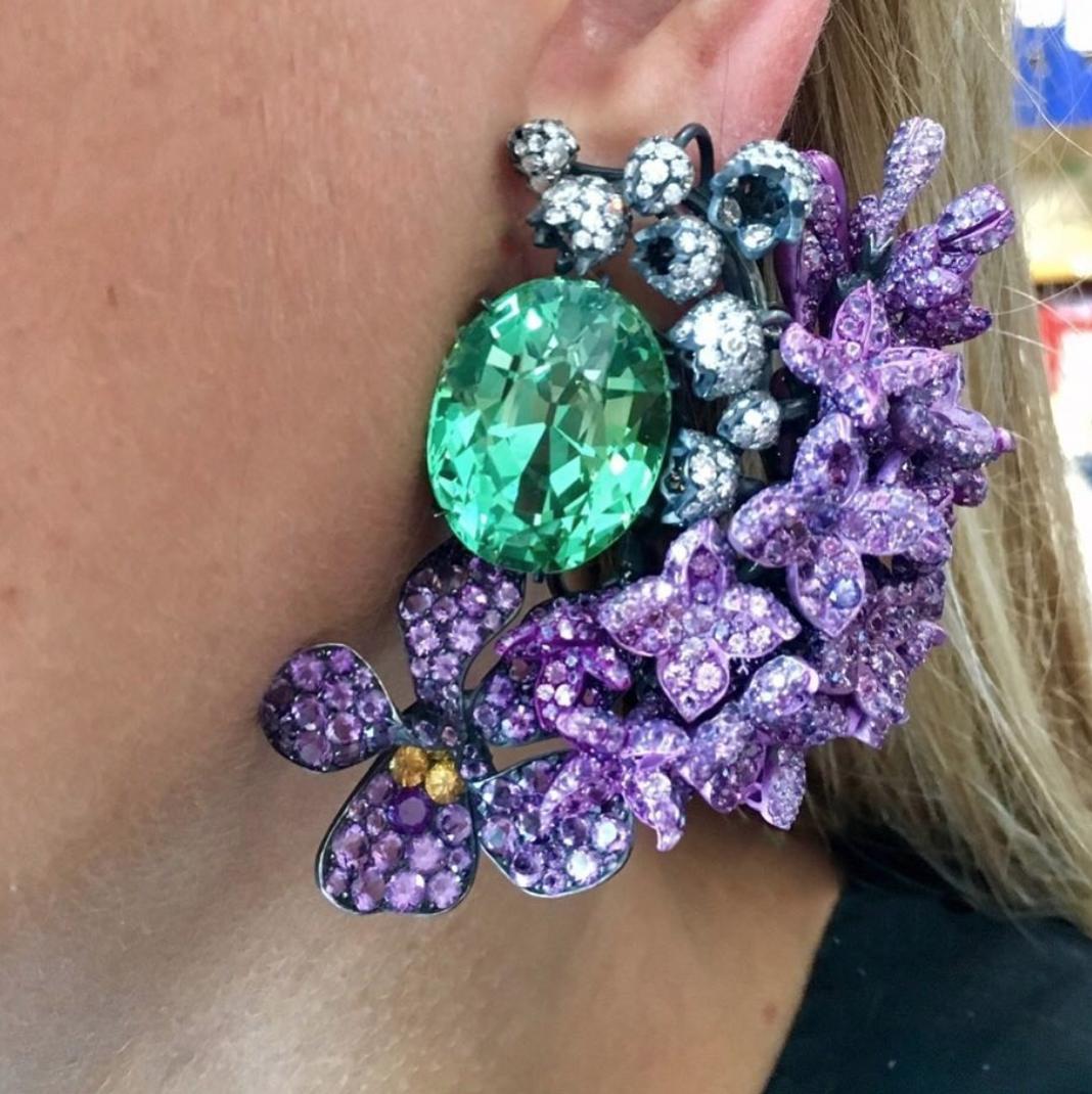 JAR ear pendants