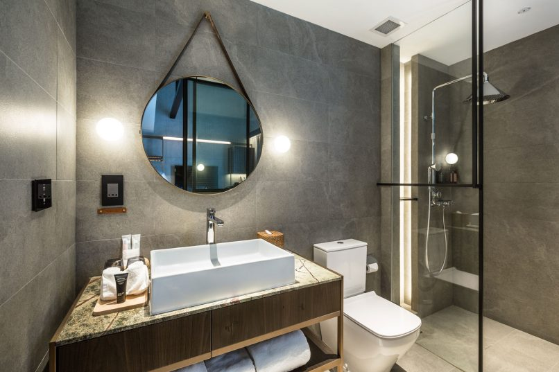 Here S How To Get That Swanky Hotel Bathroom Look In Your Home