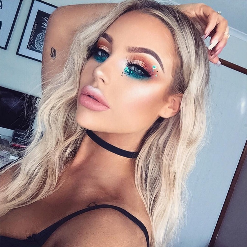 e4d7f3cb6b4 Time to bring out your barely used blue eyeshadows. Create this mermaid-inspired  look by @bybrookelle