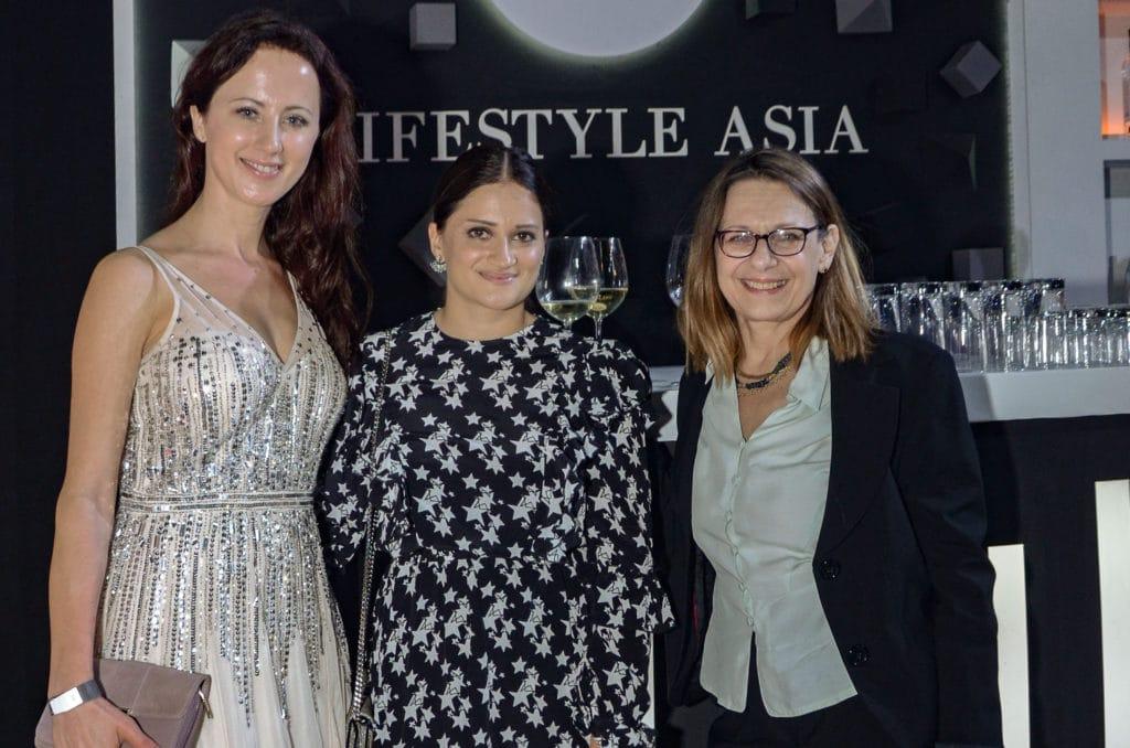 Ewelina Woznica, Susan Anzari & Marja Einig