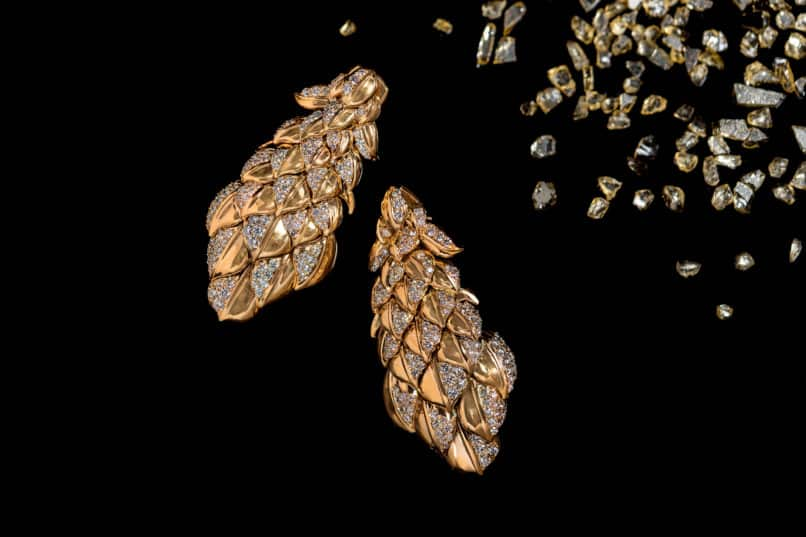 Pair of earrings inspired by the details of peacock feathers. Image:Courtesy Mirari