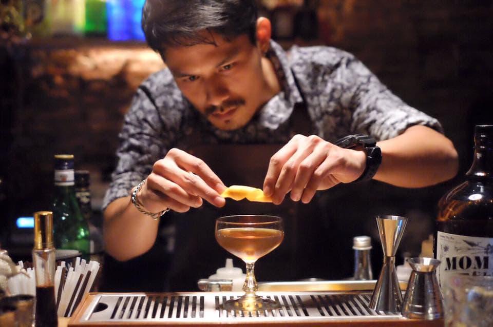 Bar Guide Soi Nana Chinatown: Teens of Thailand