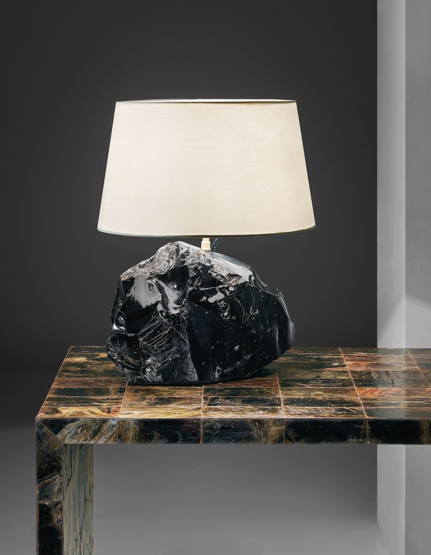 obsidian-lamp-.jpg