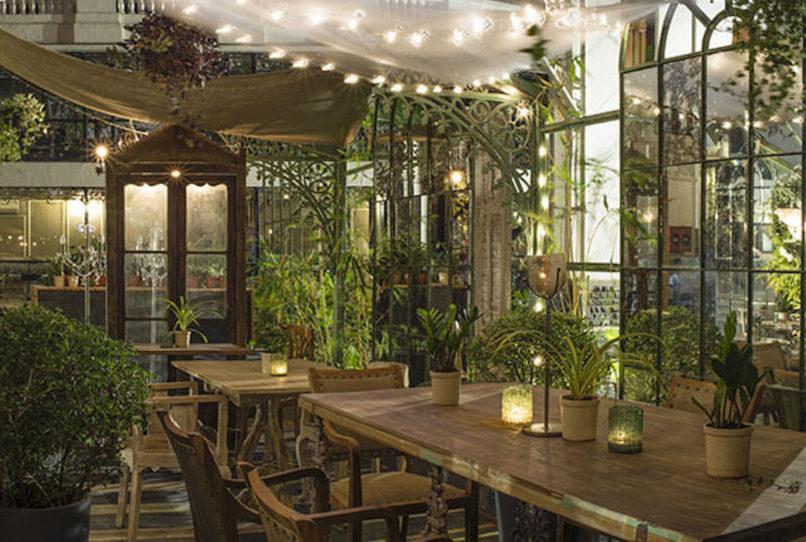 Best restaurants for Valentine's Day in Mumbai. The Quarter