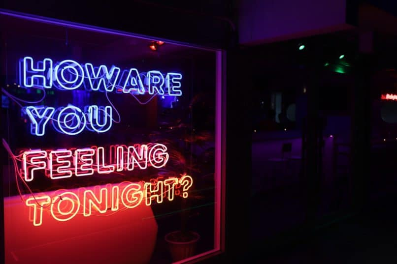 Neon Bars Bangkok: Feeling Bar