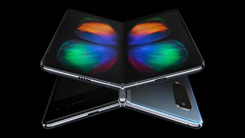 Samsung Galaxy Fold in tab mode