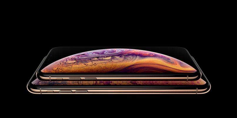 iPhone XS' Super Retina OLED