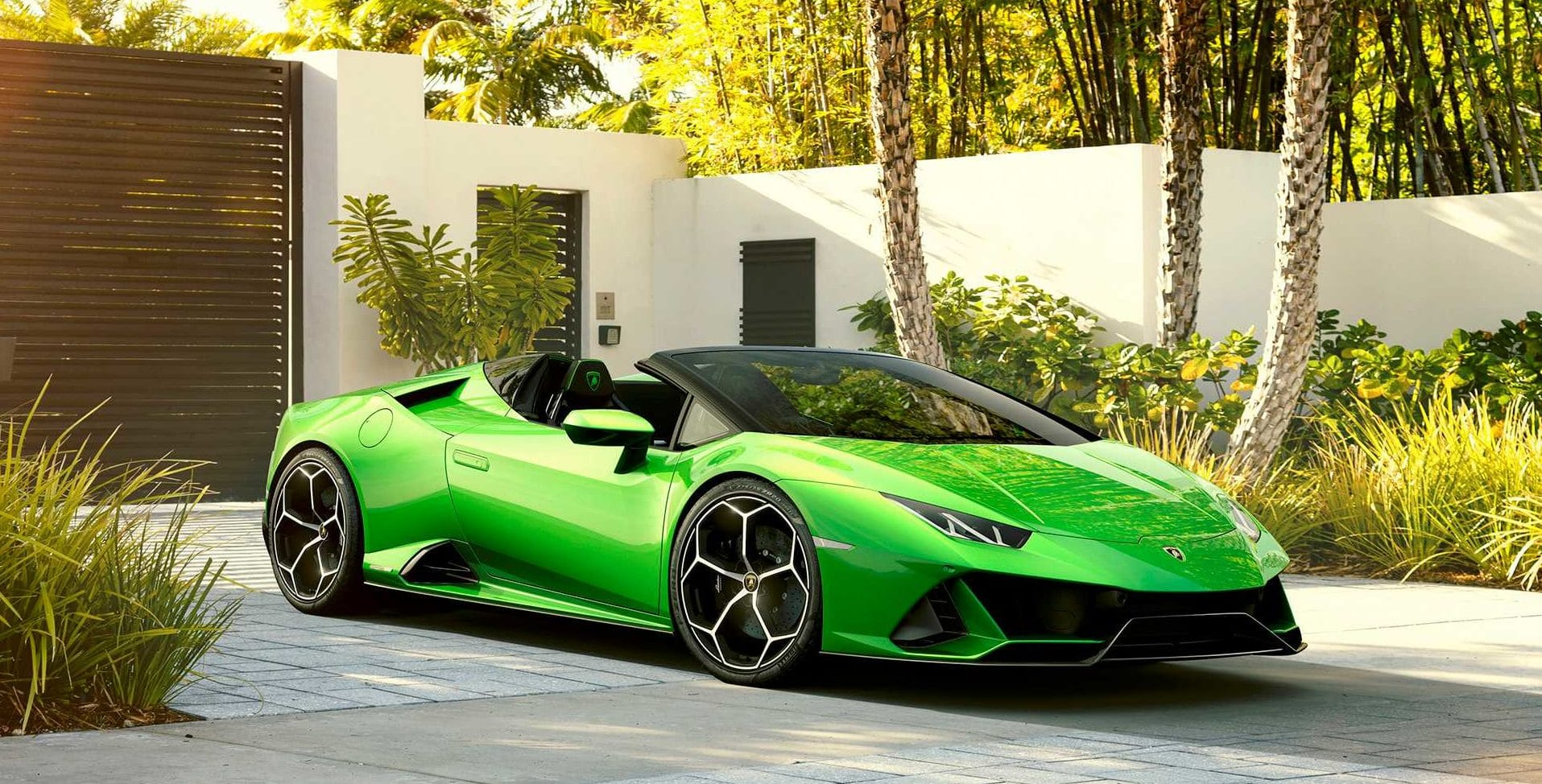 Lamborghini Unveils Its New Convertible The Huracan Evo Spyder