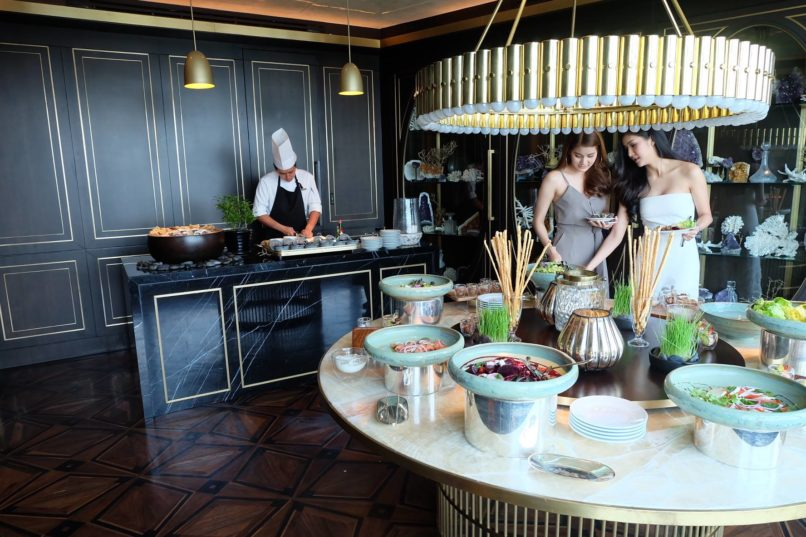 Best Weekend Brunches Bangkok: Penthouse Bar & Grill