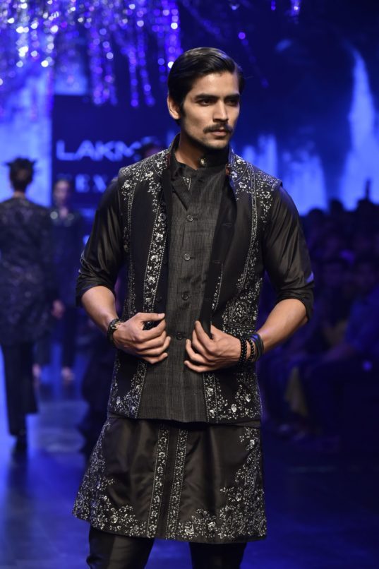 A model in Raghavendra Rathore at Lakme Summer Resort 2019. Image: Courtesy Raghavendra Rathore