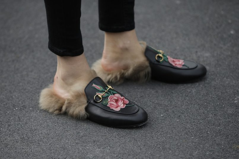 Gucci fur slippers 2018 runway show