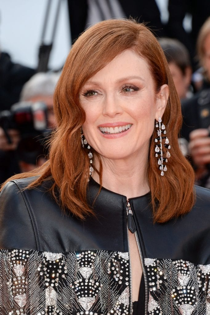 Julianne Moore chose Chopard earrings for her second appearance at Cannes 2019 red carpet. Images: Courtesy Getty