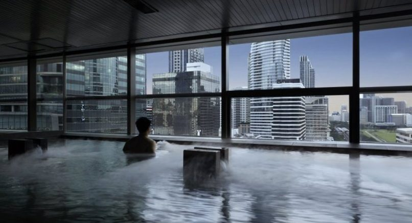Best Spas in Bangkok: rooftop pool in Panpuri Organic Spa Park Hyatt Bangkok