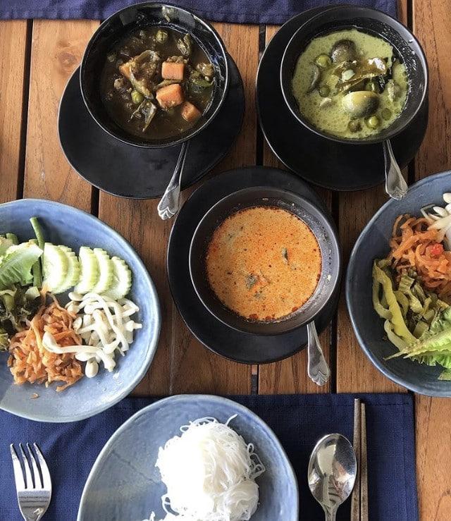 Kanom Jeen phuket luxury villa food review