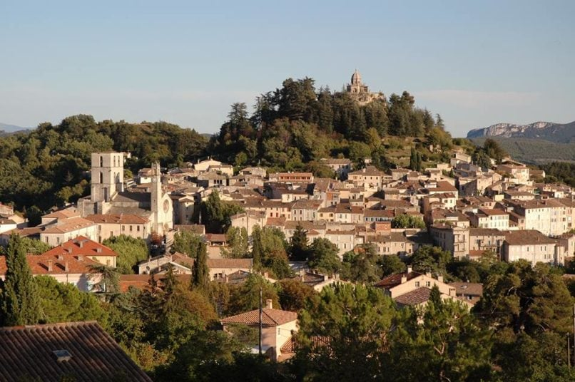 provence travel guide forcalquier