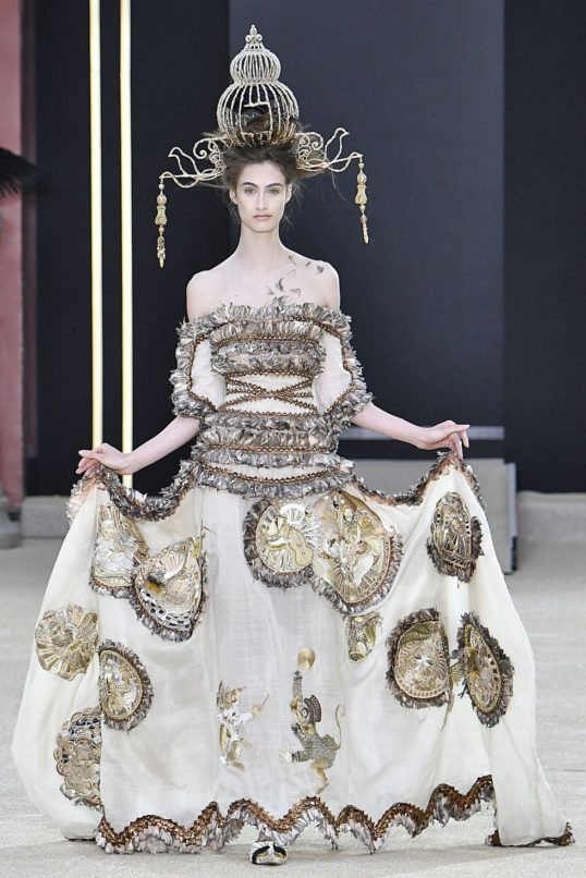 Paris-Couture-Week-Guo-Pei-Haute-Couture