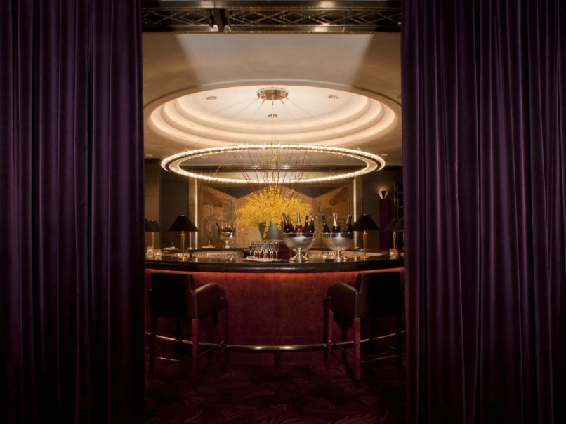 Best jazz bars - Champagne Bar