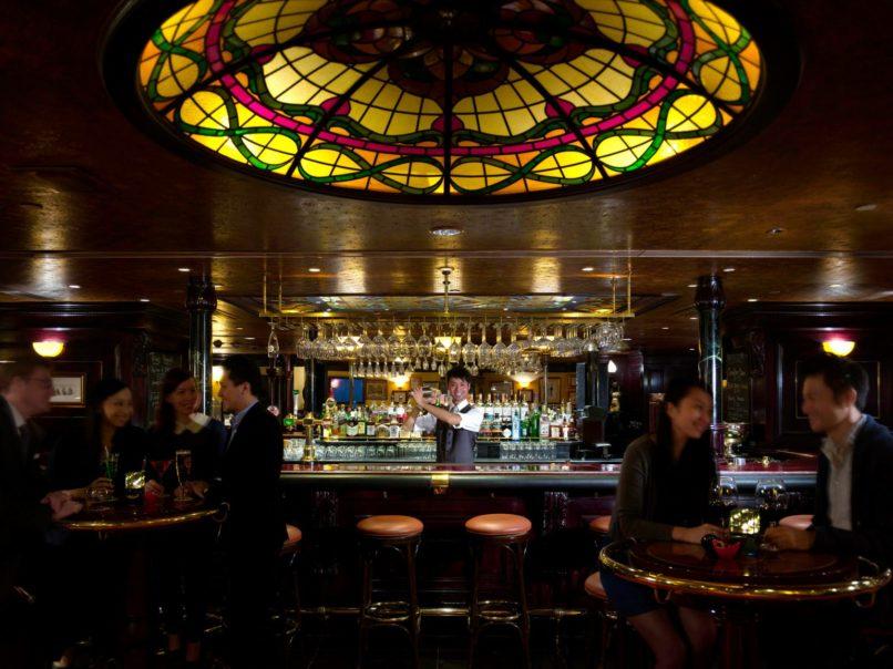 Best jazz bars - Tiffany's New York Bar