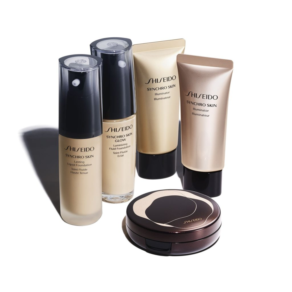 Shiseido Synchro Skin Glow Luminizing Fluid Foundation