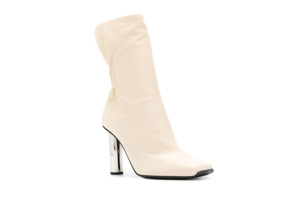 Square-toed heels