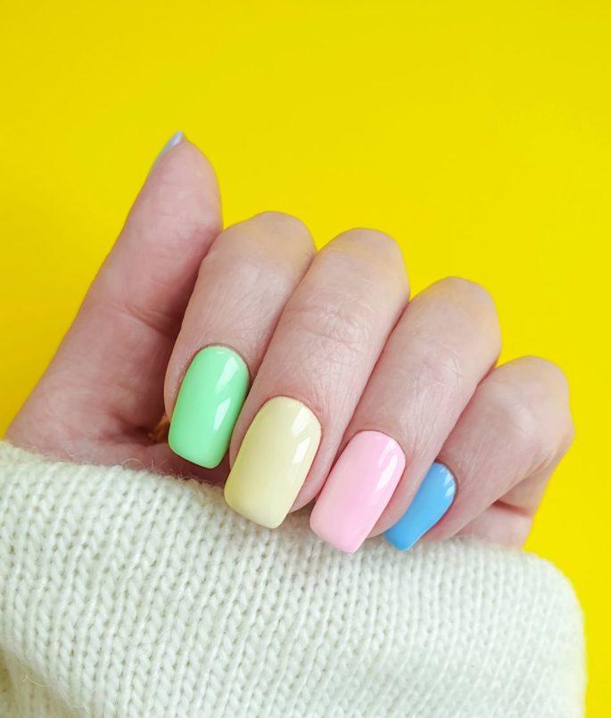 nail-trends-in-bangkok-skittle-nails