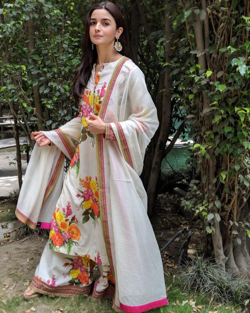 Alia Bhatt serving us a perfect mehendi look in breezy florals. Image: Courtesy Instagram
