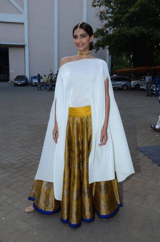 Leave it to Sonam Kapoor in case you are looking for lessons on how to tame drama. This white cape top is exuding perfection for sangeet.