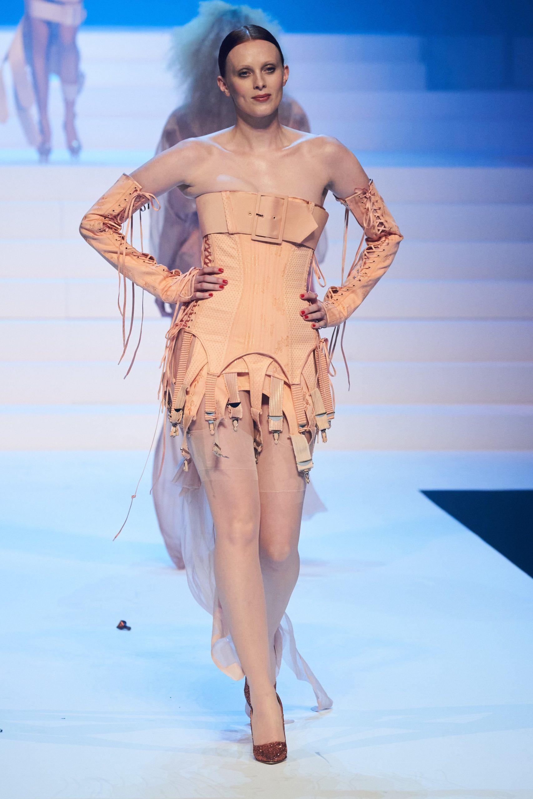 Karen Elson at Jean-Paul Gaultier SS20 Haute Couture (Photo credit: Jean-Paul Gaultier)