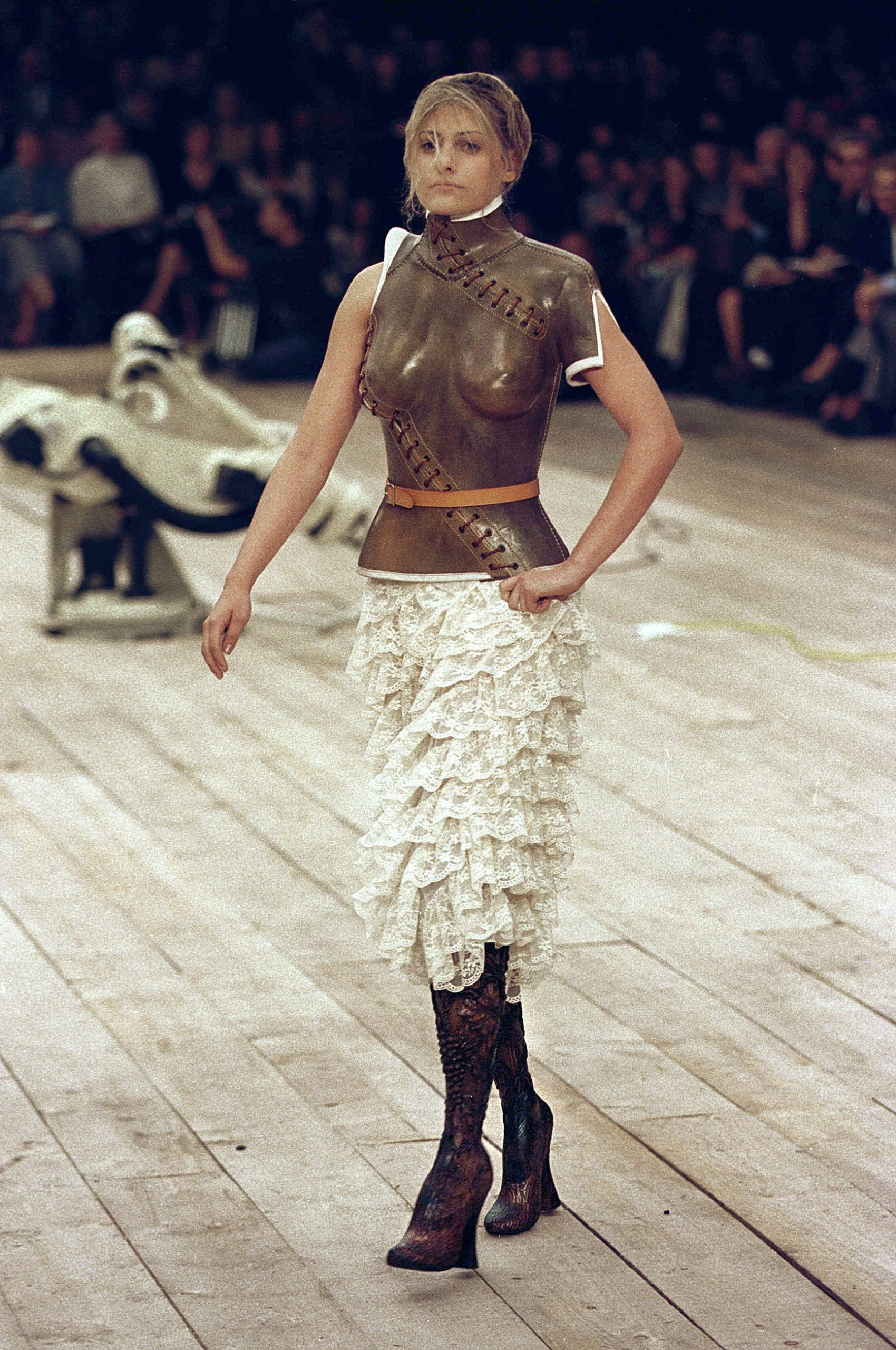 Aimee Mullins in Alexander McQueen S/S 1999 (Photo credit: Catwalking)